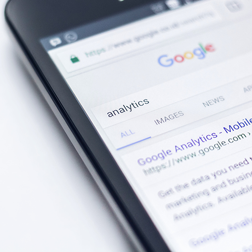 Google Analytics on a mobile phone for SEO